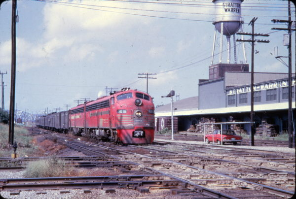 E8A 2016 (Citation) at Memphis, Tennessee in August 1965 (Golden Spike Productions)
