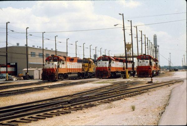 GP38-2 475, SD45 918, and GP40-2 757 at Tulsa, Oklahoma in May 1980 (Trackside Slides)