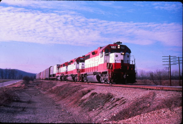 GP38-2 682 near Springfield, Missouri on August 15, 1978 (EVDA Slides)