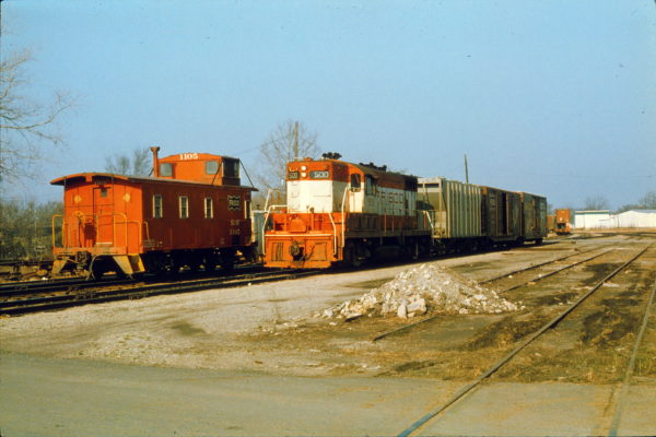 GP7 500 at Muskogee, Oklahoma in March 1975 (Trackside Slides)