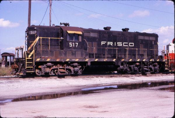 GP7 517 at Oklahoma City, Oklahoma (Robert Thomas)