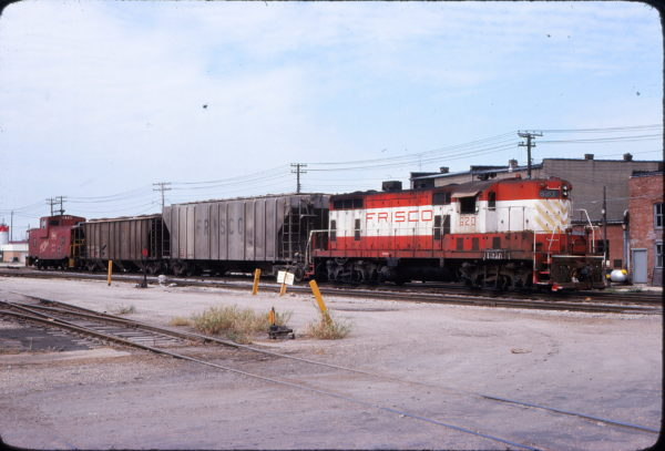 GP7 620 at Lebanon, Missouri in August 1977