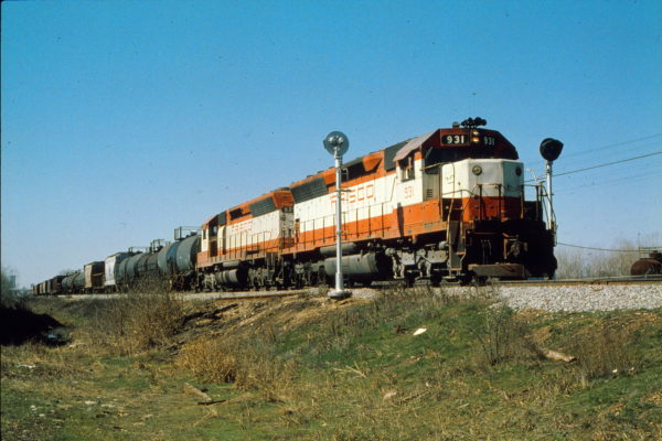 SD45s 931 and 929 at Ft. Worth, Texas (on the CRI&P) in March 1979 (Trackside Slides)