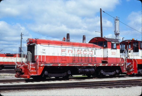 SW7 301 at Tulsa, Oklahoma in May 1980 (Bob Graham)