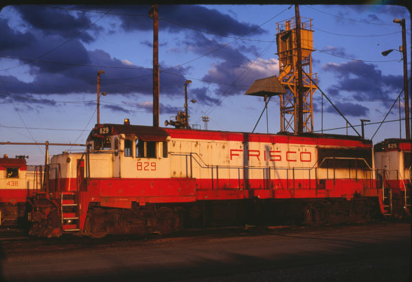 U25B 829 at Tulsa, Oklahoma in May 1980 (Bob Graham)
