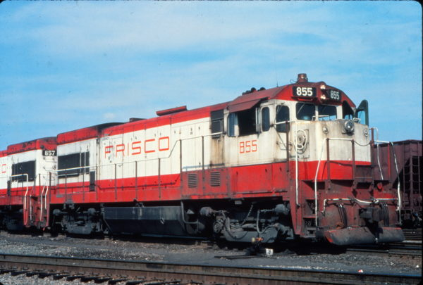 U30B 855 at Charleston, South Carolina in August 1977 (Vernon Ryder)