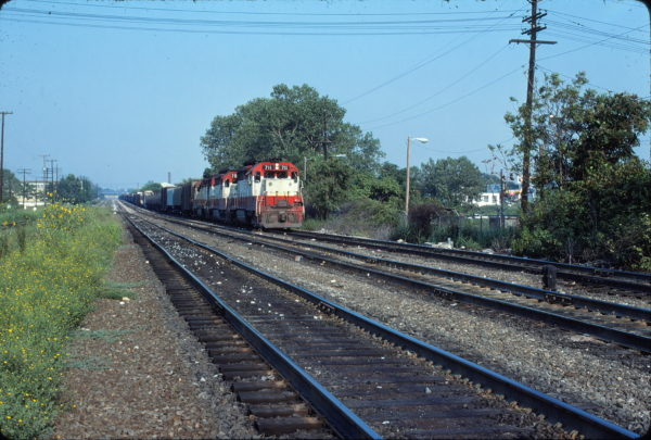 GP35 711 at Memphis, Tennessee (Westbound at 5:35 PM) in August 1977
