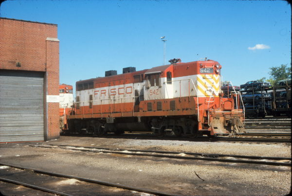 GP7 542 at St. Louis, Missouri in October 1974 (J. Stubblefield)