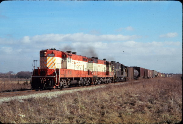 GP7s 587, 627 and 570 at Altamont, Kansas in February 1972 (Golden Spike Productions)