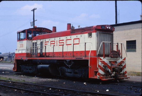 SW1500 328 at Birmingham, Alabama in June 1971 (W.S. Solsot)