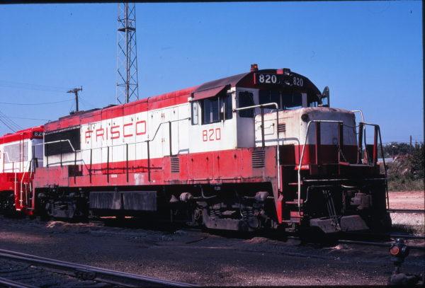 U25B 820 at Springfield, Missouri in September 1978