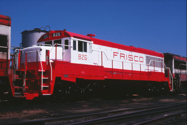 U25B 826 at Springfield, Missouri in September 1978