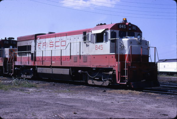 U30B 845 at Jacksonville, Florida in April 1974 (Riley Kinney)