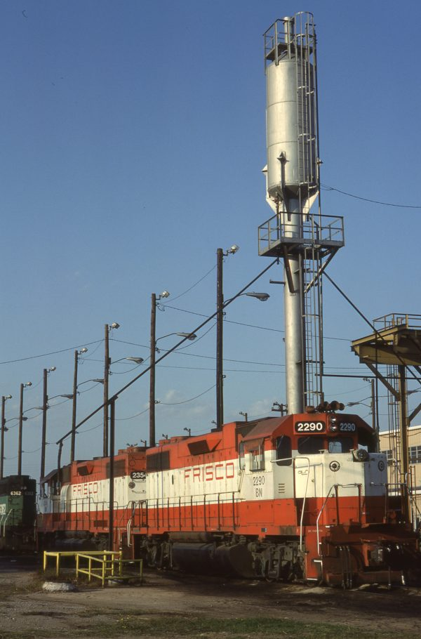 GP38-2s 2290 and 2354 at Tulsa, Oklahoma on September 24, 1982 (RF Kucaba)