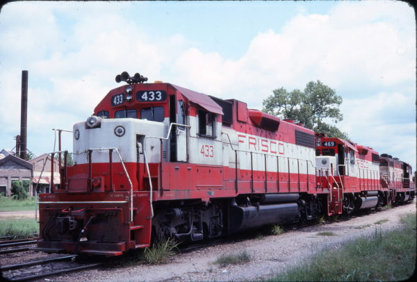 GP38-2s 433, 469 and GP7 510 (location unknown) in August 1977
