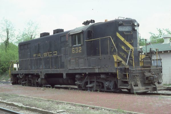 GP7 632 at Fayetteville, Arkansas on April 16, 1977 (Paul Strang)