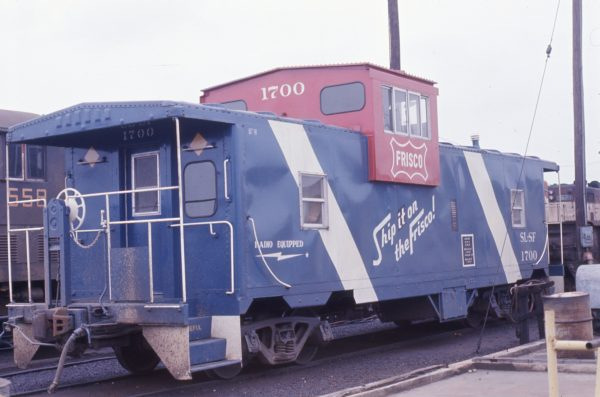 Caboose 1700 (location unknown) in May 1973 (Paul Wilson)