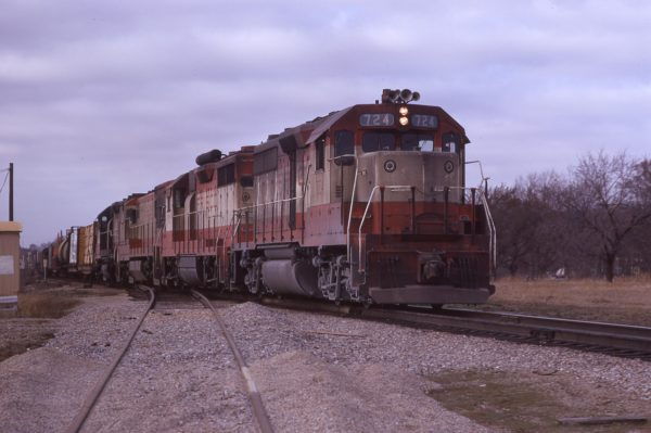 GP35 724 (location unknown) in March 1971