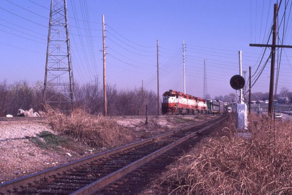 GP40-2s 3044, 3049, 3052 and GP35 2571 westbound at Southwest Junction in St. Louis, Missouri in November 1981