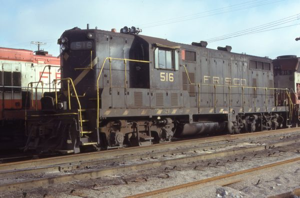 GP7 516 at Springfield, Missouri in February 1978