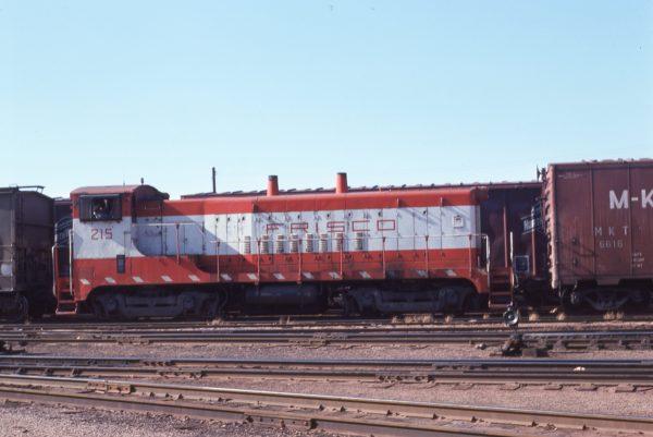 VO-1000 215 at Kansas City, Missouri on November 11, 1975 (Jim Wilson)