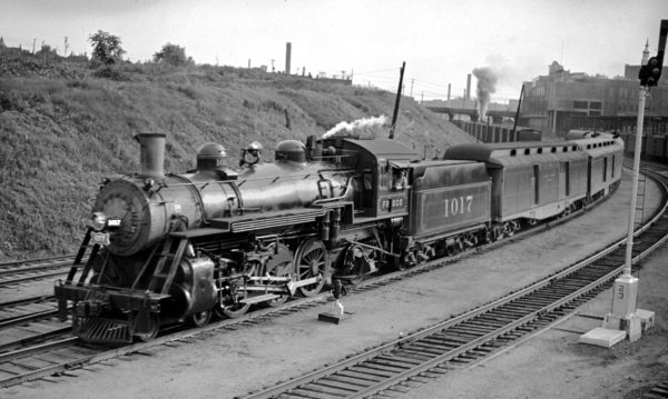 4-6-2 1017 leaving Tower Grove (St. Louis, Missouri) station with the Sunnyland to Memphis in the early 1940s (C.E. Prusia)