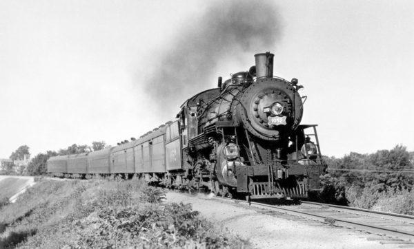4-6-2 1052 (Train 806) at Shrewsbury, Missouri in July 1941 (Ivan W. Oakes)