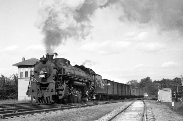4-8-2 4305 Westbound at Southeastern Junction in 1942 (William Barham)