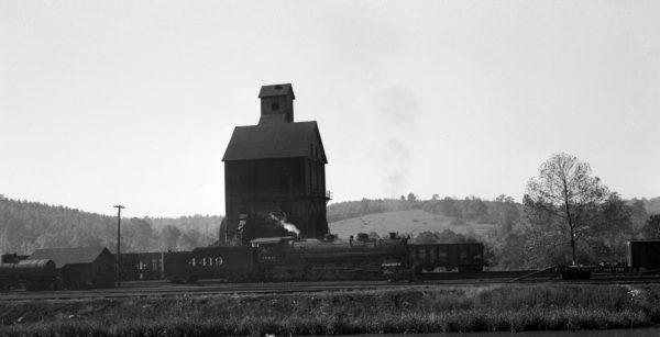 4-8-2 4419 at the Newburg, Missouri Coal Chute in 1946
