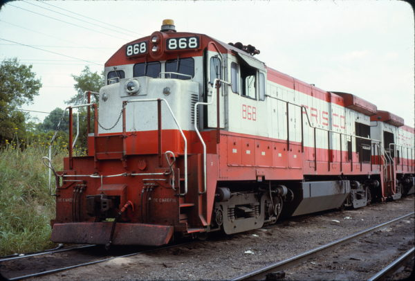 B30-7 868 at Irving, Texas in September 1978 (David Stray)