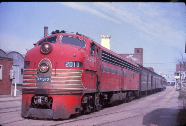 E8A 2010 (Count Fleet) on the Sunnyland at Springfield, Missouri on April 15, 1962 (Al Chione)