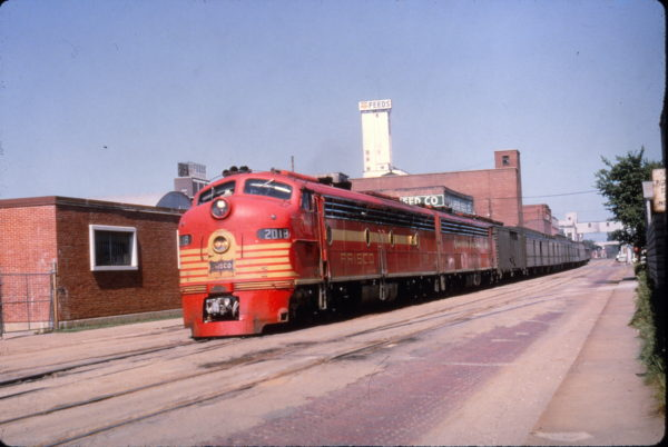 E8A 2018 (Ponder) street running with The Meteor at Springfield, Missouri on July 7, 1965 (Al Chione)
