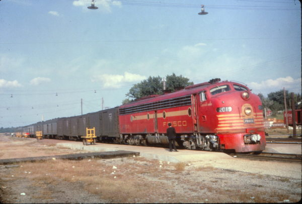 E8A 2019 (Cavalcade) on The Will Rogers at Monett, Missouri on August 14, 1965 (Al Chione)