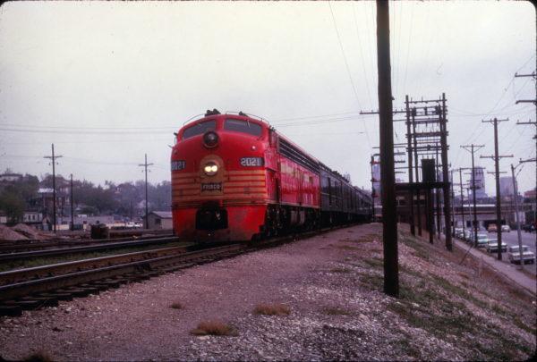 E8A 2021 (Gallahadion) on Train 107, The Sunnyland, at Kansas City on April 15, 1963