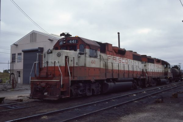 GP38-2 441 and GP35 725 at Oklahoma City, Oklahoma on October 2, 1977