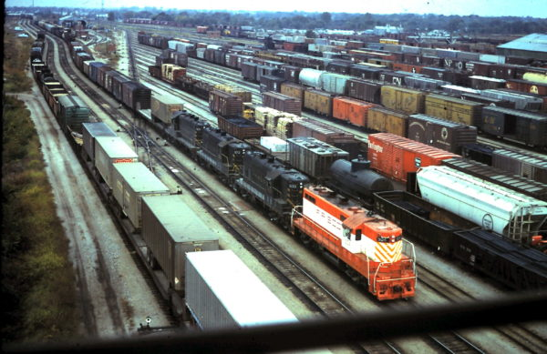 GP7s 504, 533, 573 and 531 at Springfield, Missouri (date unknown)