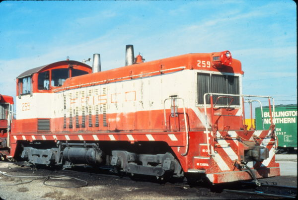 NW2 259 at Memphis, Tennessee in January 1981 (Vernon Ryder)