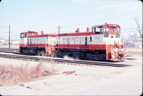 SW1500s 360 and 358 at Tulsa, Oklahoma in March 1978 (John Nixon)