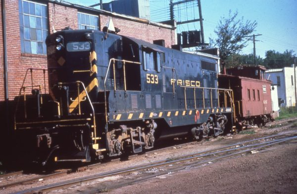 GP7 533 at Fayetteville, Arkansas on September 24, 1963 (Mike Condren)