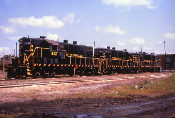 GP7s 542, 585 and 573 at the Fort Smith, Arkansas engine terminal in September 1961 (Al Chione)