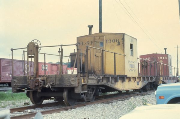 Transfer Cabooses 1306 and 1314 at Memphis, Tennessee in May 1971