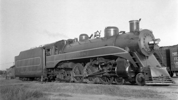 4-6-2 1036 at Enid, Oklahoma on May 24, 1940 (Ralph Graves)