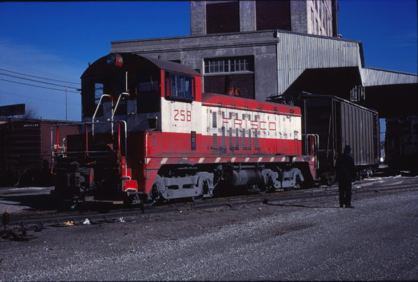 NW2 258 (location unknown) in January 1977 (C. Porter Collection)