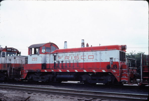 NW2 259 (location unknown) in August 1977