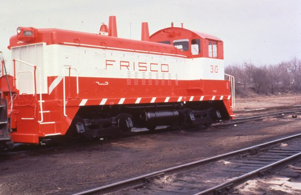 SW9 310 at Springfield, Missouri in 1979 (C.R. Scholes)