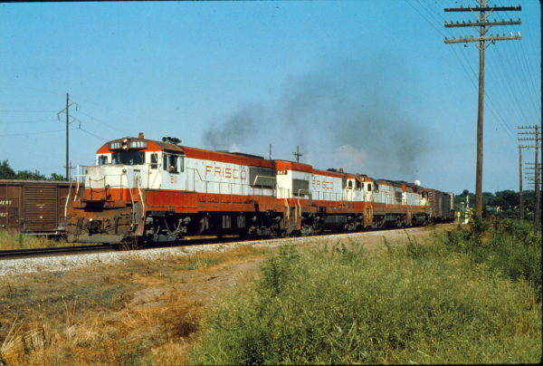 U25B 811, U30Bs 847 and 842 and GP35 725 at Vinita, Oklahoma in July 1978 (Trackside Slides)
