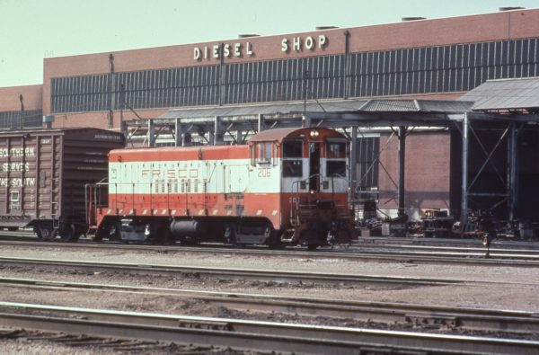 VO-1000 206 at Springfield, Missouri in 1979 (C.R. Scholes)