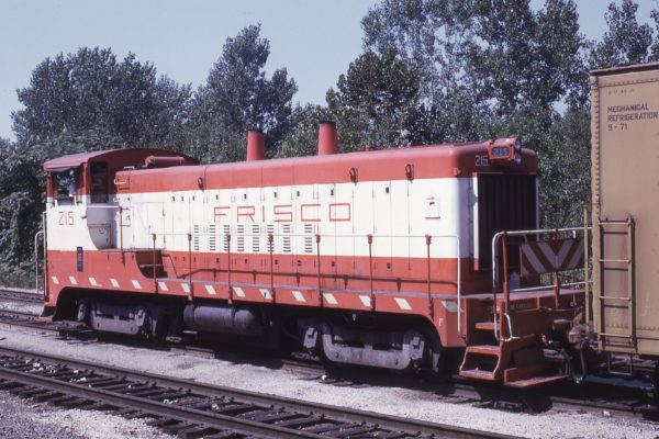 VO-1000 215 at Kansas City, Kansas on September 8, 1974 (Jim Wilson)