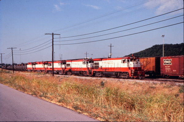 B30-7 867, U30B 845, U28B 811, GP38-2 461 and GP38AC 636 (date and location unknown) (Trackside Slides)