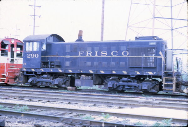 S-2 290 at LaGrange, Illinois in July 1970 (J. Thomson)
